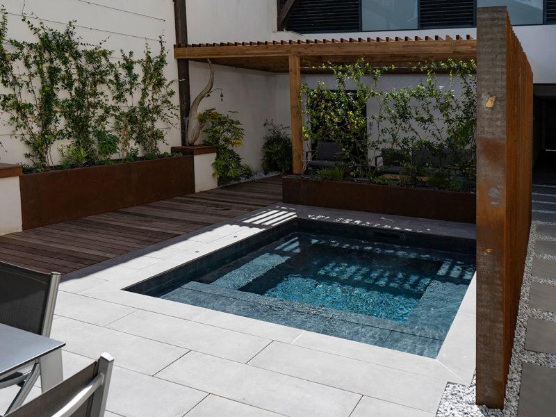 Construction d'une mini-piscine haut de gamme - Echoppe à Bordeaux Métropole